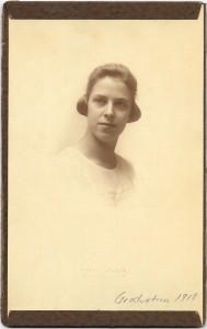 AldaMae Gra ves Jacobs 1918 grad photo
