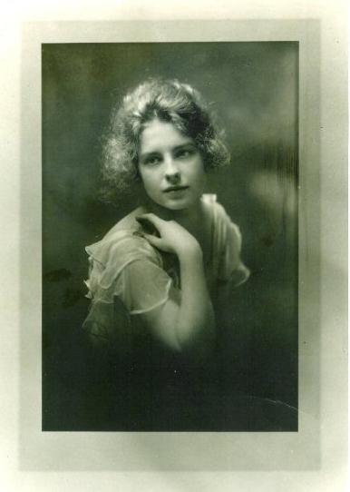 Freda Zell Knight 1917